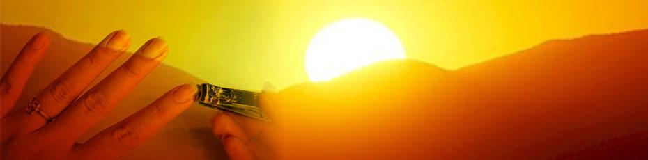 सूर्यास्त के समय नाखून काटने से आप बन सकते हैं गरीब